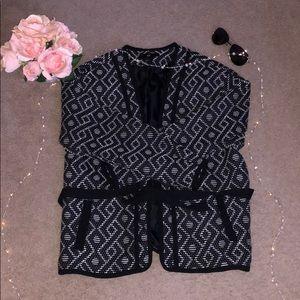 H&M: patterned black blazer
